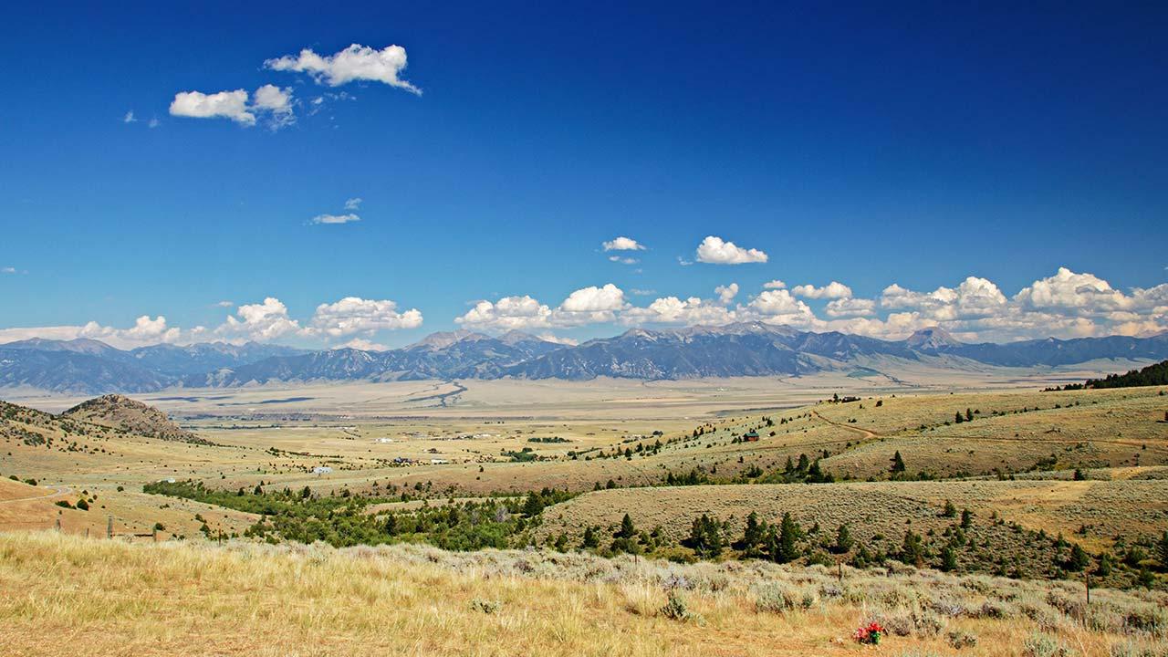 Montana plains and mountains